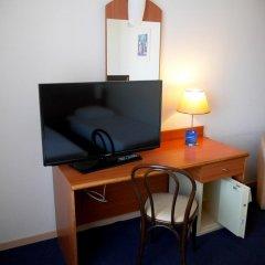 Hotel Aris удобства в номере