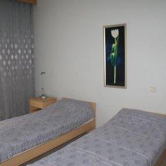 Отель Motel Istros Aviaparkas Литва, Паневежис - отзывы, цены и фото номеров - забронировать отель Motel Istros Aviaparkas онлайн комната для гостей фото 2