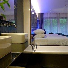 Отель Novotel Phuket Kata Avista Resort And Spa 4* Улучшенный номер двуспальная кровать фото 6
