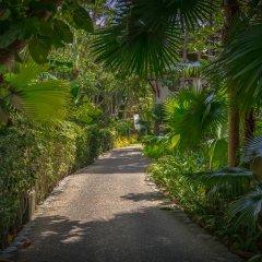Отель Thavorn Beach Village Resort & Spa Phuket парковка