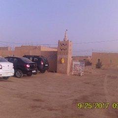 Отель Merzouga Sarah Camp Марокко, Мерзуга - отзывы, цены и фото номеров - забронировать отель Merzouga Sarah Camp онлайн парковка