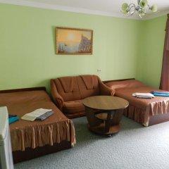 Гостевой дом Домашний Уют Стандартный семейный номер с двуспальной кроватью фото 4