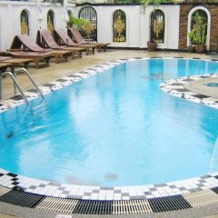 Orchid Hotel and Spa бассейн фото 2