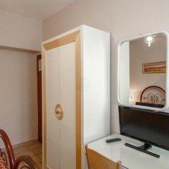 Hotel Masaccio Номер с общей ванной комнатой с различными типами кроватей (общая ванная комната) фото 2