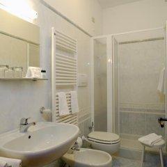 Отель Albergo Basilea 3* Стандартный номер фото 14