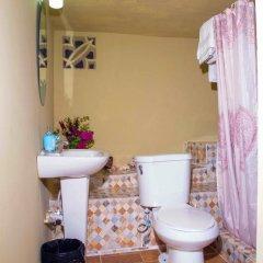 Отель Ackee Tree Sea View Villa Ямайка, Порт Антонио - отзывы, цены и фото номеров - забронировать отель Ackee Tree Sea View Villa онлайн ванная