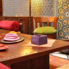 Отель Riad au 20 Jasmins Марокко, Фес - отзывы, цены и фото номеров - забронировать отель Riad au 20 Jasmins онлайн гостиничный бар