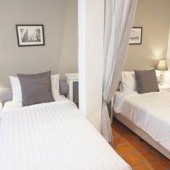 Отель Ratchadamnoen Residence 3* Стандартный номер с 2 отдельными кроватями фото 10