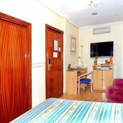Отель CH Plaza D'Ort Rooms Madrid Стандартный номер с различными типами кроватей фото 2