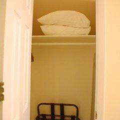 Отель Americana Inn 2* Стандартный номер с 2 отдельными кроватями (общая ванная комната) фото 5