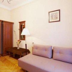 Гостиница Pylnykarska 6 Львов комната для гостей фото 4