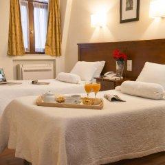 Отель Aliados 3* Стандартный номер с двуспальной кроватью фото 25
