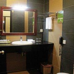 Hai Ba Trung Hotel and Spa 5* Улучшенный номер с различными типами кроватей фото 4