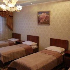 Hostel Inn Osh Кровать в общем номере с двухъярусной кроватью