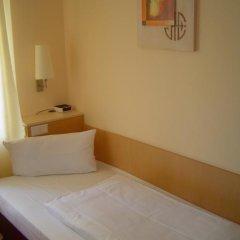 Отель Petersburg 3* Стандартный номер с двуспальной кроватью фото 8
