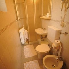 Gioia Hotel 3* Стандартный номер с двуспальной кроватью фото 4