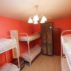 Hostel na Preobrazhenke Tut Zhivut Кровать в мужском общем номере с двухъярусной кроватью