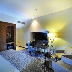 Отель Ramada Corniche 4* Номер Делюкс фото 4