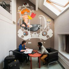 Jacques Brel Youth Hostel Кровать в общем номере фото 7