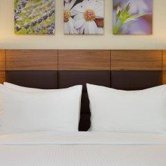 Гостиница Hilton Garden Inn Moscow Новая Рига 4* Стандартный номер с двуспальной кроватью фото 4