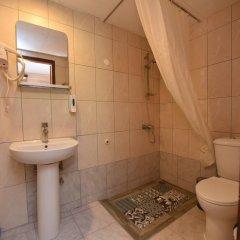 Отель Pelli Hotel Греция, Пефкохори - отзывы, цены и фото номеров - забронировать отель Pelli Hotel онлайн ванная