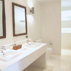 Отель The Cove Таиланд, Пхукет - отзывы, цены и фото номеров - забронировать отель The Cove онлайн ванная фото 2