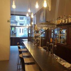 Отель Cafe Pacific - Lounge Bar Брюссель гостиничный бар