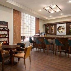 Отель Рамада Ташкент гостиничный бар