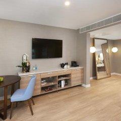 Отель DoubleTree By Hilton London Excel 4* Люкс повышенной комфортности с различными типами кроватей