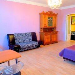 Апартаменты Apartments na Naberezhnoy Kutuzova комната для гостей