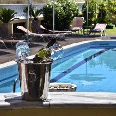 Hotel Cristina Maris бассейн