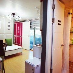 Отель Han River Guesthouse 2* Студия с различными типами кроватей фото 11