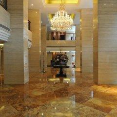 Hengshan Picardie Hotel интерьер отеля