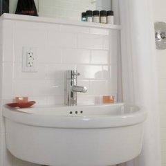 Отель The GEM Hotel - Chelsea США, Нью-Йорк - отзывы, цены и фото номеров - забронировать отель The GEM Hotel - Chelsea онлайн ванная фото 2