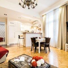 Апартаменты Romantique Apartment в номере