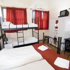 Отель RentRooms Thessaloniki 3* Кровать в мужском общем номере с двухъярусной кроватью фото 5