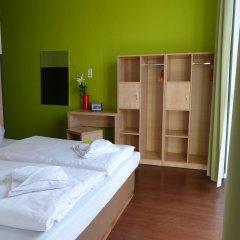 H+ Hotel 4 Youth Berlin Mitte 2* Стандартный номер с двуспальной кроватью фото 2