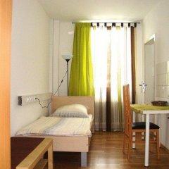 Hotel Komet 2* Стандартный номер с двуспальной кроватью (общая ванная комната) фото 3