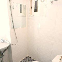 Отель Oneminute Guesthouse 2* Кровать в женском общем номере с двухъярусной кроватью фото 4