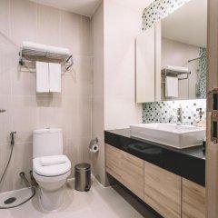 Отель Adelphi Suites Bangkok 4* Студия с различными типами кроватей фото 16