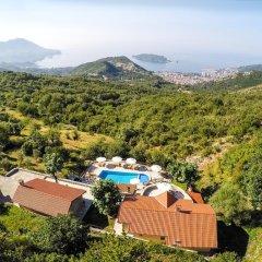 Отель Luxury Villas Lapcici Черногория, Будва - отзывы, цены и фото номеров - забронировать отель Luxury Villas Lapcici онлайн бассейн фото 2
