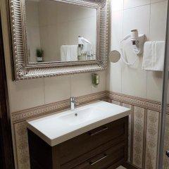 Hotel Grahor 4* Улучшенный номер с двуспальной кроватью фото 10