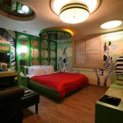 Haeundae Grimm Hotel 2* Номер Делюкс с различными типами кроватей фото 19