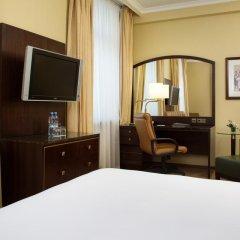 Гостиница Hilton Москва Ленинградская 5* Представительский номер с различными типами кроватей фото 12