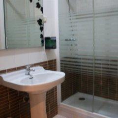 Отель JQC Rooms ванная фото 2