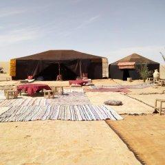 Отель Bivouac Le Ciel Bleu Марокко, Мерзуга - отзывы, цены и фото номеров - забронировать отель Bivouac Le Ciel Bleu онлайн пляж