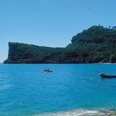 Отель Camping Garden Tourist Манерба-дель-Гарда пляж фото 2