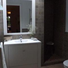 Отель Casa Rural Valdezaque Ла-Гарровилья ванная фото 2