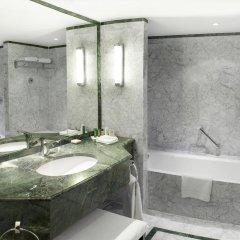 Отель Hilton Brussels Grand Place 4* Стандартный номер с разными типами кроватей фото 5