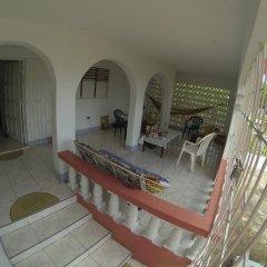 Отель Tina's Guest House 2* Стандартный номер с различными типами кроватей фото 12